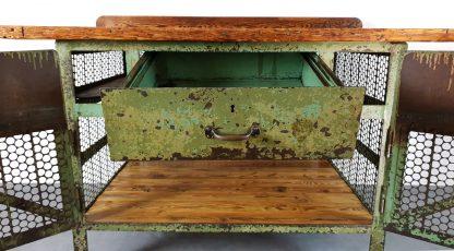 Vintage Werkbank Stahl / Holz grün lackiert mit schöner Patina.