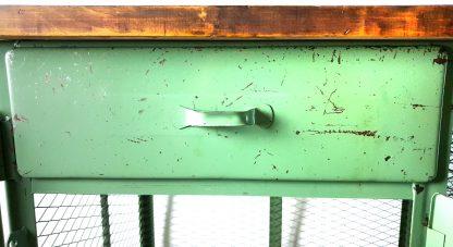 Ansicht Schublade Werkbank grün lackiert