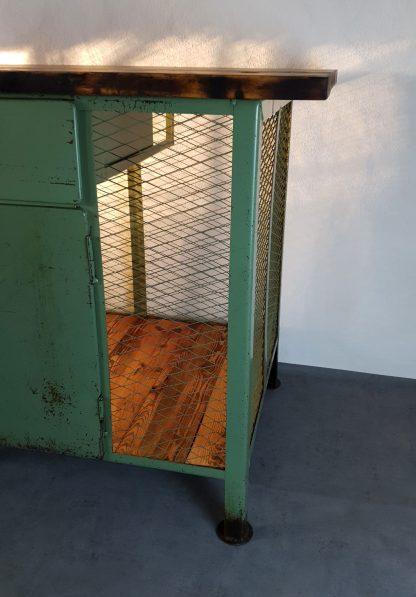 Ansicht rechte Seite Werkbank Bauhaus-Stil
